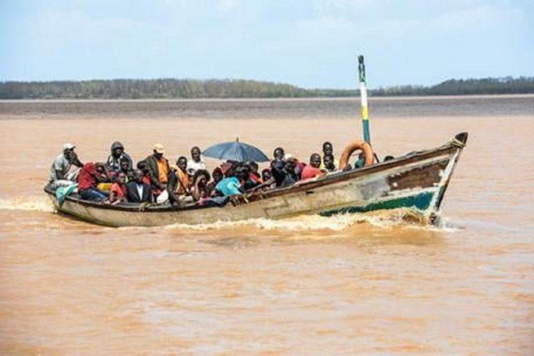 Un natante strapieno sul Congo