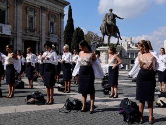 Flashmob Alitalia hostess Campidoglio