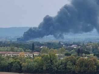 Incendio in azienda specializzata in galvanica ad Arezzo