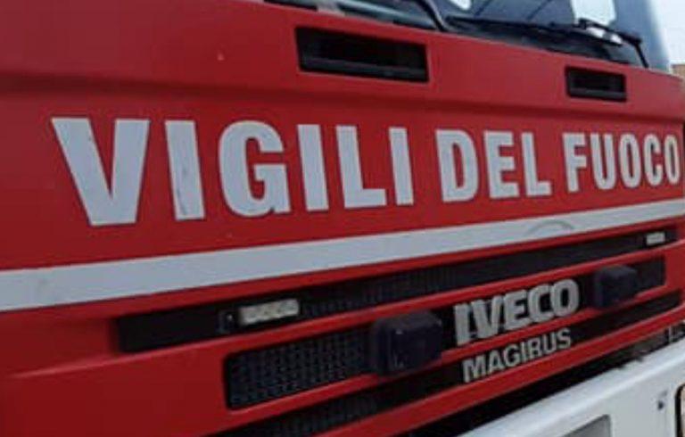 Bambino salva donna anziana svenuta durante incendio nella casa di Roccabianca