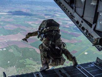 Il momento di un lancio militare