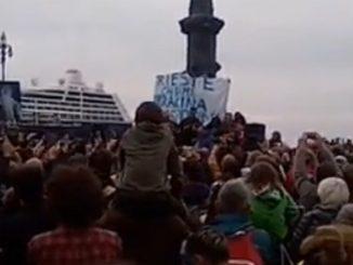 Manifestazione no green pass a Trieste e la nota dei portuali