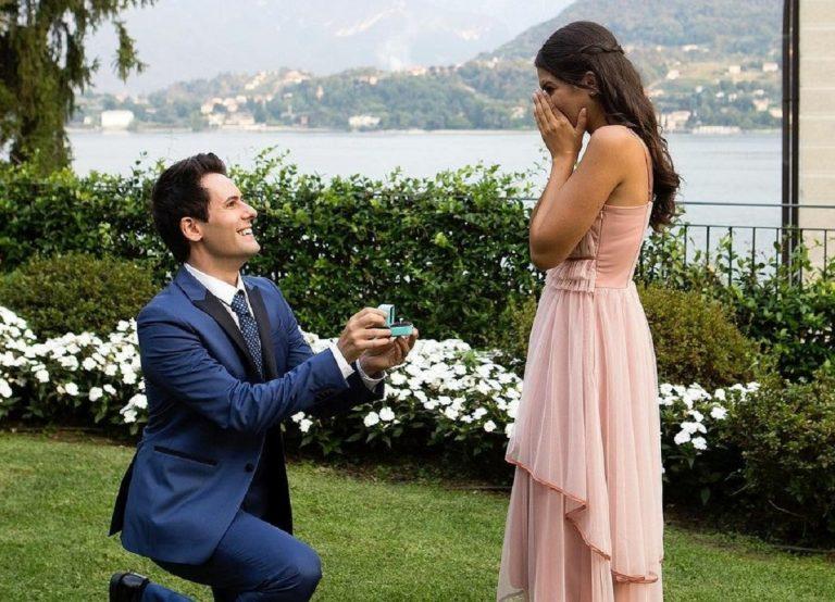 """Lo scatto con la proposta di matrimonio """"da sogno"""""""