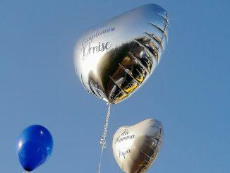 I palloncini per ricordare i 21 anni di Denise