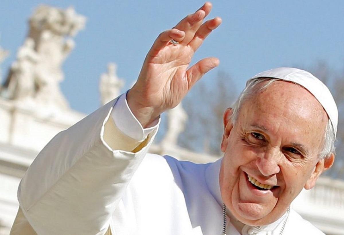 """La raccomandazione di Papa Francesco alle suore: """"Non fate le zitellone"""""""