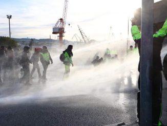 Protesta dei portuali a Trieste, adesso c'è Guido Rossi a capo