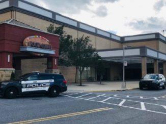 sparatoria centro commerciale lancaster