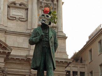 Statua teschi Milano