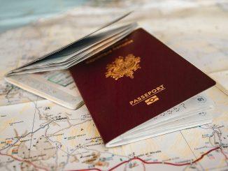 Usa, rilasciato il primo passaporto con genere X: è per chi non si riconosce come uomo o donna