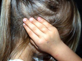 Due ragazzine vittime di violenza sessuale