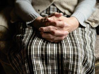 Violenza disumana su un'anziana di Campobasso: due arresti