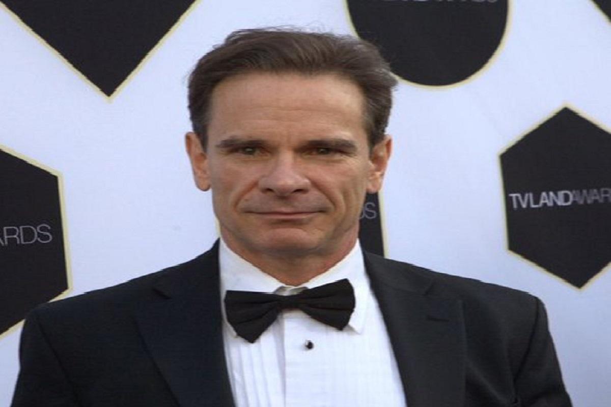 """Morto Peter Scolari: l'attore di """"Bravo Dick"""" era malato di cancro"""