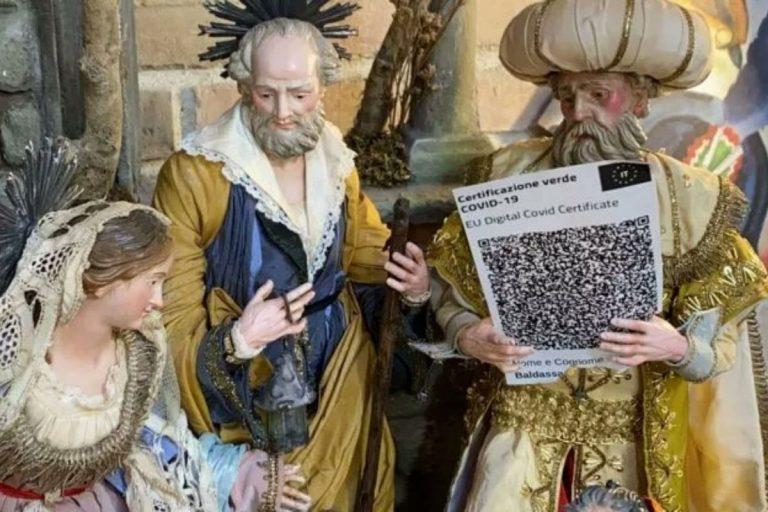 A San Gregorio Armeno anche i Re Magi hanno il Green pass: protesta dei no vax