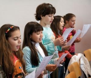 coro canto bambini 300x258