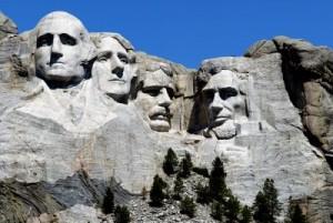 Monte Rushmore con i volti dei presid. Stati Uniti 300x201