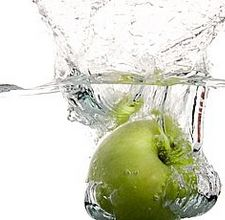 article page main ehow images a04 pu vk apple water cleanse 800x800