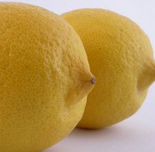 article page main ehow images a05 jv bl use lemon juice health benefits 800x800