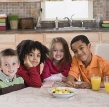 article page main ehow images a07 is lc healthy snacks kids groups 800x800