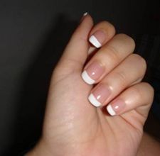 article page main ehow images a04 bb 95 french manicure differ other manicures 800x800