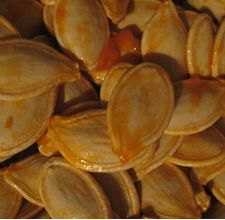 article page main ehow images a07 4h 9i microwave pumpkin seeds 800x800