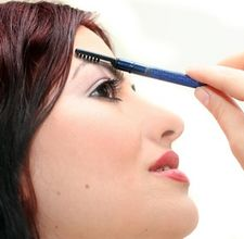 article page main ehow images a06 9q 1b dye eyebrows lighter 800x8001