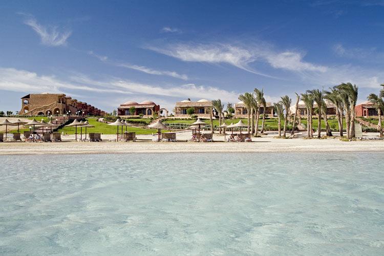 Vacanze mar rosso marsa alam eden village habiba beach for Chambre quadruple costa magica